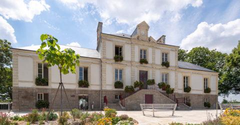 Photo : hôtel de ville de Montaigu-Vendée