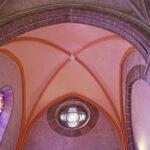 Eglise Saint Jean-Baptiste : voûte rénovée vue de l'intérieur