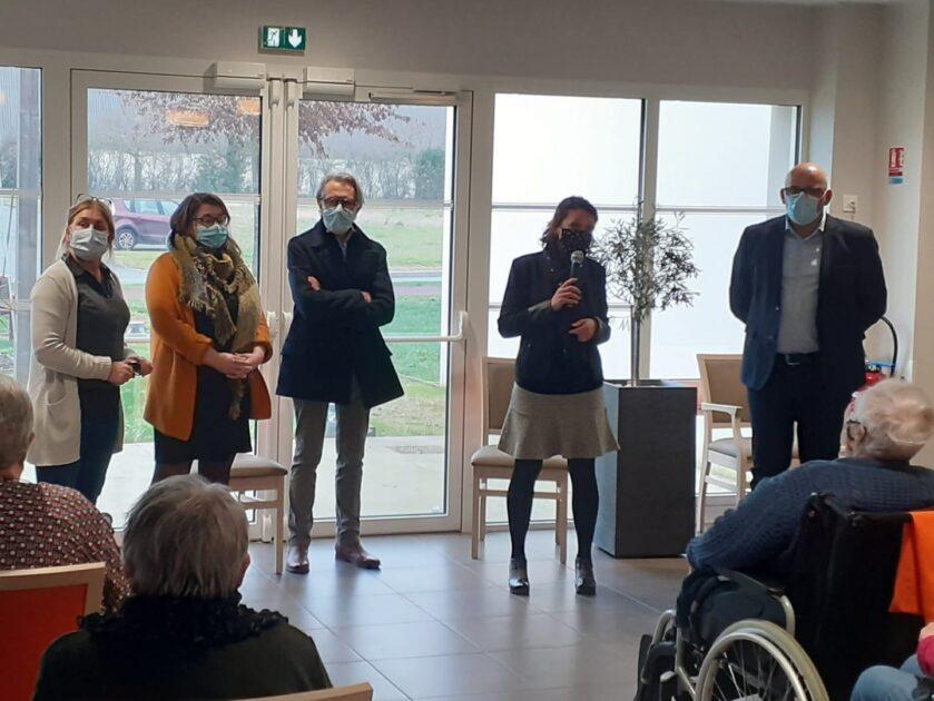 Photo du maire de Montaigu-Vendée présentant ses vœux en EHPAD