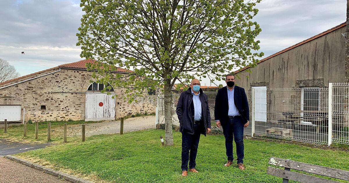 Florent Limouzin, maire de Montaigu-Vendée et Eric Hervouet, maire délégué de Saint-Georges-de-Montaigu