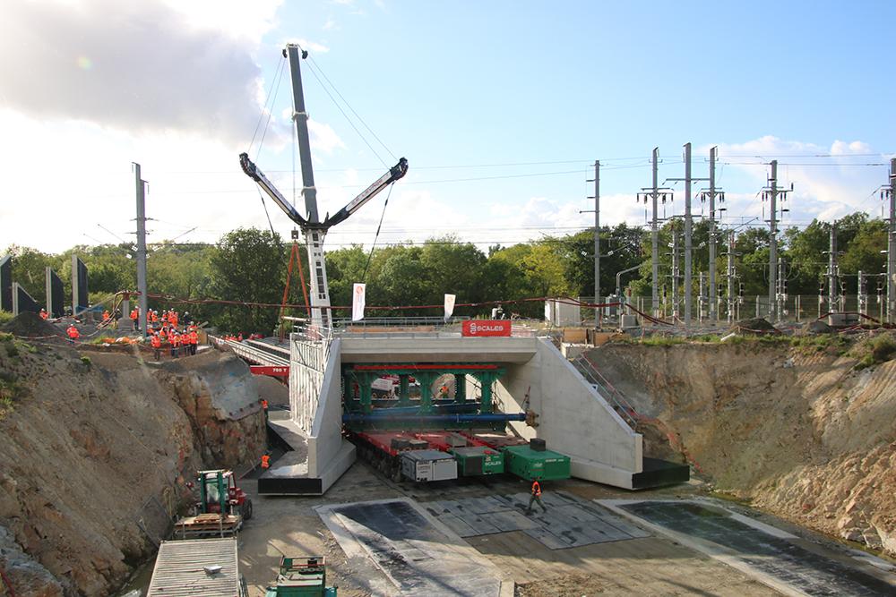 Opération coup de poing mai 2021 : mise en place du pont-rail